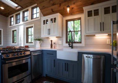 tinyhomebuildersfloridaDenali XL kitchen cabinets